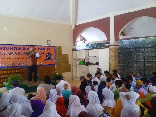 Santunan 200 Anak Yatim Organisasi KBT Dramaga